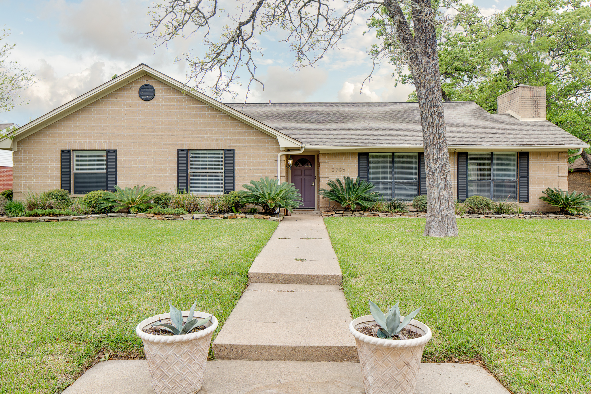 Just listed 2705 windwood drive college station tx for Windwood homes