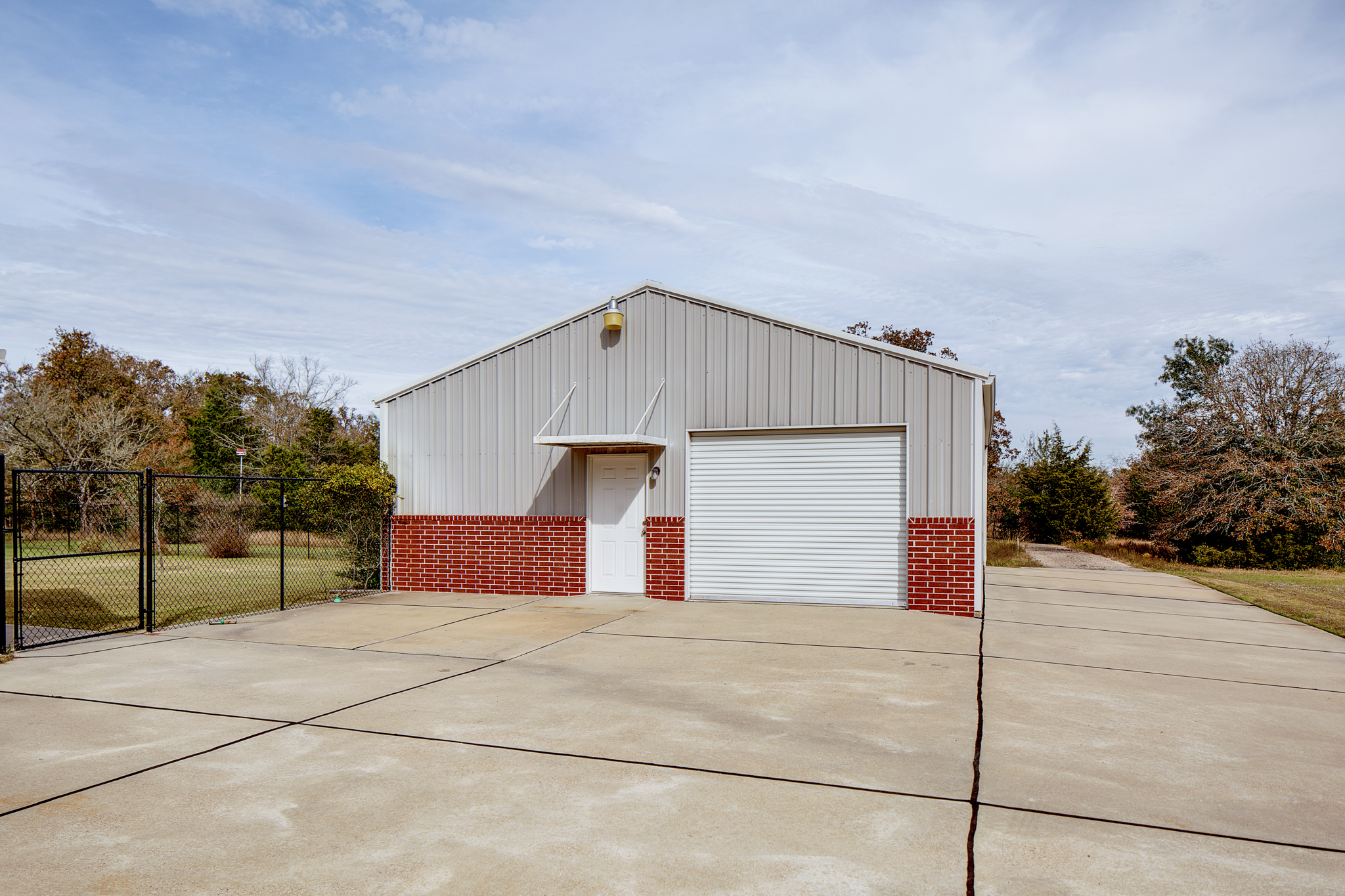 just listed house workshop u0026 guest house all on 6 acres in